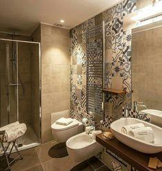 A Ragusa il recupero di un palazzo del XVIII secolo Küchen Design, Bath Design, House Design, Bathroom Design Small, Bathroom Interior Design, Ideas Baños, Bathroom Wallpaper, Beautiful Bathrooms, Bathroom Inspiration