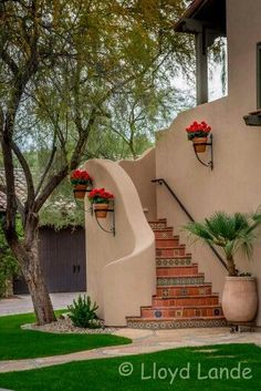 Exterior Wall Spanish Revival 70 Ideas For 2019 Mexican Style Homes, Spanish Style Homes, Spanish Revival, Spanish House, Spanish Colonial, Spanish Garden, Spanish Design, Hacienda Homes, Hacienda Style