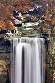 Taughannock Falls, Trumansburg |New York. The main cataract of the falls is a 215-foot drop.