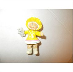 CABBAGE PATCH KID! PVC FIGURE!!!! BABY IN HAT YELLOW!!! GIRL!