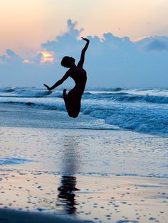 Sea Dancers in the Magic Light of Sunrise, photography by Richard Calmes