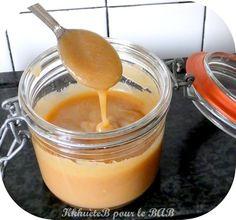 Une sauce caramel facile, rapide et surtout trop bonne ! À faire dégouliner sans modération sur glaces, pancakes, cookies ou tout simplement à déguster à la petite cuillère ! Pas de prise de tête n...