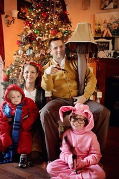 Forget the tilted head-matching outfit holiday photos you end up snapping year after year. Think outside of the box (err… frame), and plan a clever shoot that'll produce a picture as cool and unique as your own family. From modern tech to a simple snowball effect, we've got 13 ideas to help you get started. Take a peek at the flip book below to find your...