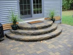 Tips To Creating A Small Patio Landscaping Design - Patios Everywhere Door Steps, Porch Steps, Patio Design, Diy Patio, Concrete Steps, Brick Patios, Patio Stairs