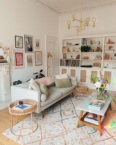 Home Living Room, Interior Design Living Room, Living Room Designs, Living Room Decor Unique, Kitchen Living, Deco Pastel, Home Decor Inspiration, Decor Ideas, Wall Ideas