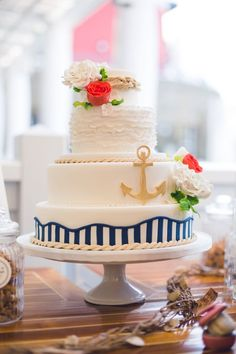 Maritime wedding with vintage flair by Passiamour - Hochzeitstorte - Wedding Cake - Wedding Cakes Nautical Wedding Cakes, Nautical Bridal Showers, Nautical Cake, Diy Wedding Cake, Floral Wedding Cakes, Wedding Cake Toppers, Wedding Blog, Naked Cakes, Peach Cake
