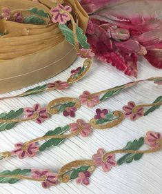 """ANTIQUE VINTAGE 1//8/"""" Purple Embroidery Flower French Ombre Ribbon Trim ~ 1 yd"""