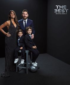 Leonel Messi With His Family Messi 10, Messi Fans, Leonel Messi, Football Awards, Fifa Football, Fc Barcelona, Messi And His Wife, Rugby, Club