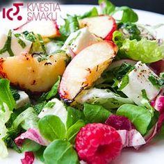 Sałatka z brzoskwiniami i serem feta