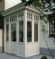 ersteNs A Delicious Way To Eat Heart Smart. Sas Entree, Porch Extension, Glass Porch, Garden Room Extensions, Victorian Porch, Cottage Porch, Porch Addition, Enclosed Porches, Side Porch