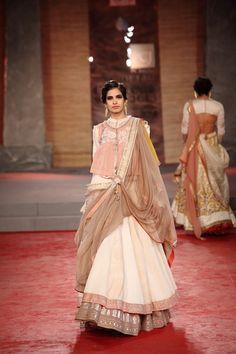 Anju Modi Collection 2013 | Vogue Wedding Show 2014