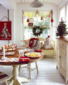 25 Popular Christmas Table Decorations on Pinterest All About Christmas