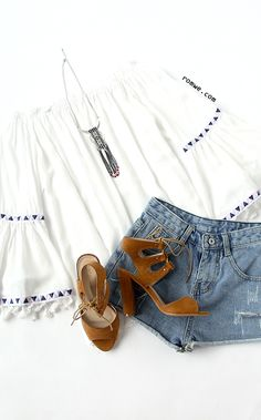 White Off The Shoulder Bell Sleeve Fringe Blouse Cute Summer Outfits, Spring Outfits, Casual Outfits, Cute Outfits, Looks Com Short, Looks Pinterest, Boho Fashion, Womens Fashion, Passion For Fashion