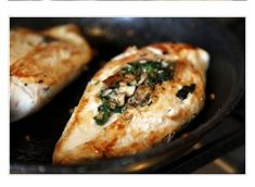 Mushroom And Spinach Stuffed Chicken #Food #Drink #Trusper #Tip