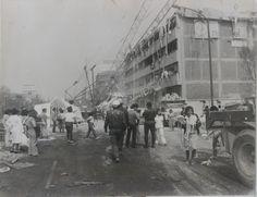 Tras los sismos del 19 y 20 de septiembre de 1985, cientos de costureras quedaron atrapadas y murieron sepultadas en los escombros de los talleres de San Antonio Abad, ya que la ayuda llegó 15 días después de la tragedia porque a los dueños y autoridades les importó resguardar primero los bienes materiales antes que las vidas de las mujeres que ahí laboraban