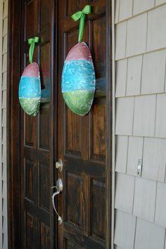 *Random Thoughts of a SUPERMOM!*: Paper Mache Easter Eggs: Non-Wreath Door Decor