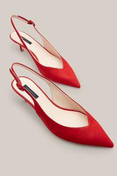 35 summer shoes that make you look fabulous # Wheels . - 35 Sommerschuhe, die Sie fabelhaft aussehen lassen 35 summer shoes that make you look fabulous …, Women's Shoes, Me Too Shoes, Shoe Boots, Zapatos Shoes, Court Shoes, Shoes Sneakers, Pretty Shoes, Beautiful Shoes, Cuir Nappa