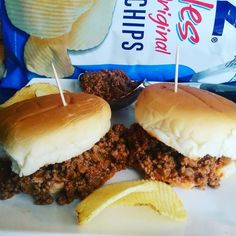 Sloppy Cristiano Ronaldo Sliders add a kick to Sloppy Joes Great Recipes, Favorite Recipes, Portuguese Recipes, Portuguese Food, Food Plus, Chips, Recipe Search, Learn To Cook, Sweet Bread