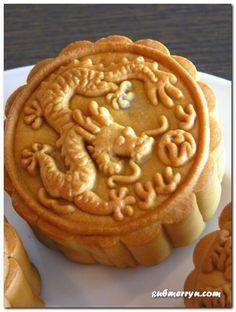 dragon mooncake