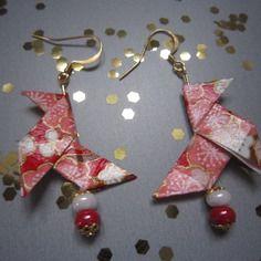 Boucles d'oreille cocotte en origami de papier japonais rouge