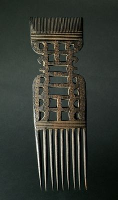 Africa | Swahili Comb from Tanzania | Wood | Mid 1900s.