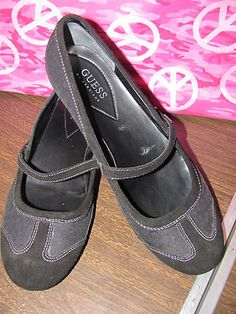 This hot little number  by Guess will satisfy your every style craving    GUESS    WOMENS BLACK LEATHER/FABRIC    BALLET STYLE SHOES    SIZE 9M    VELCRO CLOSURE    MINT CONDITION    FOR PREOWNED    MINIMAL WEAR    10.5 IN LENGTH    3 1/4 IN WIDTH    VERY COMFY    SUPER CUTE    WONDERFUL ADDITION    TO YOUR WARDROBE
