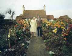 Questa coppia di anziani si è fatta scattare una foto a ogni cambio di stagione.