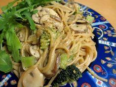 Kaurakermainen parsakaali-sienipasta, ruoka-alkemisti