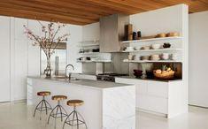 Brilliant Ideas Minimalist Kitchen Shelves That Will Make Your Kitchen Stunning Modern Kitchen Images, Modern Farmhouse Kitchens, White Kitchens, Ikea Kitchen Cabinets, Kitchen Countertops, Marble Countertops, Cupboards, Custom Cabinet Doors, White Kitchen Decor