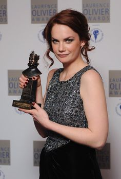Ruth Wilson Photos - Ruth Wilson poses with her 'Best Actress in a Supporting Role' during the Laurence Olivia Awards at The Grosvenor House Hotel, on March 2010 in London, England. - The Laurence Olivier Awards - Winners Boards Ruth Wilson, His Dark Materials, Jane Eyre, English Actresses, British Actors, Best Actress, Celebs, Celebrities, White Girls