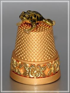Gold Thimble W/Frog