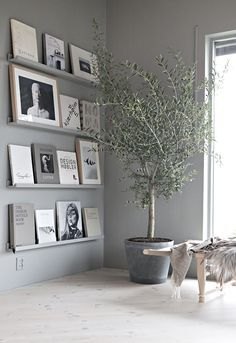 60 Best Inspire Scandinavian Living Room Design December Leave a Comment It's very easy to recognize a Scandinavian interior design. But there isn't just one Scandinavian style but several and they all have certain elements in com Living Room Remodel, Living Room Decor, Shelving In Living Room, Scandi Living Room, Grey Walls Living Room, Grey Room, Cozy Living, Simple Living, Living Room Interior