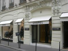 Chanel boutique 31 Rue Cambon, Paris.  History of her and her fragrance  http://www.beautyo50.com/les-exclusifs-de-chanel-remini-scents/