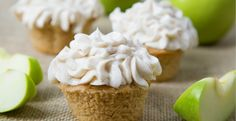 No need to spend time making crust to have a taste of apple pie! Make this delicious cupcake with apple pie filling and top it off with our Cinnamon Cream Cheese Frosting or Whipped Cream for the perfect apple treat! #blenderrecipes #dessert