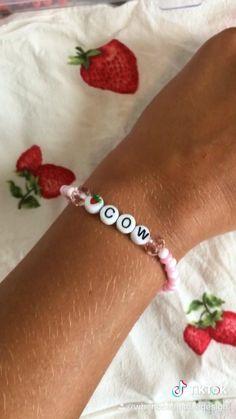 Pony Bead Bracelets, Kandi Bracelets, Beaded Bracelets Tutorial, Summer Bracelets, Bracelet Crafts, Pony Beads, Seed Bead Jewelry, Cute Jewelry, Beaded Jewelry
