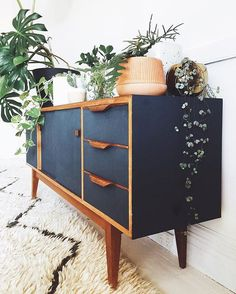 Mid Century Modern Apartment Decoration Ideas – Decorating Ideas - Home Decor Ideas and Tips - Page 3 Mid Century Modern Bedroom, Mid Century House, Mid Century Modern Design, Mid Century Modern Furniture, Mid Century Modern Dresser, Mid Century Sideboard, Mid Century Dining Table, Mid Century Modern Chairs, Contemporary Furniture