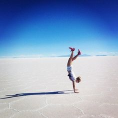 Awesome salt flats and desert #uyuni #Bolivia - great shot from our follower @ebony_joyy  Free Tourlina app download --> link in bio Tourlina app --> community of inspiring female travelers photographers & storytellers. Tag your pic