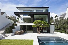 Realisations | Pierre Naturelle | Hullebusch Conception Villa, Villa Design, Architecture, Pho, House Ideas, Mansions, House Styles, Modern, Home Decor