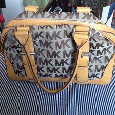 "Spotted while shopping on Poshmark: ""Reduced*****Michael Kors handbag""! #poshmark #fashion #shopping #style #Michael Kors #Handbags"