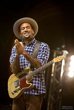 Seriously one of the BEST shows I've ever seen. Thanks M!     *Ben Harper*
