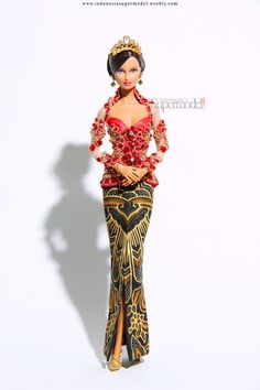 Miss Beauty Doll Indonesia 2013 Muli Puteri Adat