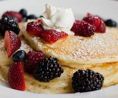 Pancake w/ fruit