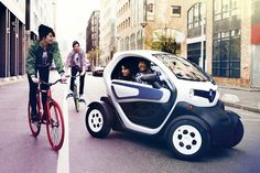 Renault Twizy electric runabout would cost if driving 130 miles a week. Blade Runner, Tandem, Automobile, 14 Year Old, Small Cars, Electric Cars, Electric Vehicle, Urban Electric, Transportation Design