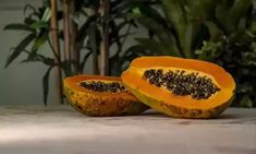 Papaya for weight loss! Papaya fruit has lots of nutritional values plus streamlining digestive system, cure cancer and used in various cosmetic products to give you,younger looking skin. Papaya Pictures, Healthy Fruits, Healthy Recipes, Healthy Foods, Healthy Life, Dietas Detox, Green Papaya, Antioxidant Vitamins