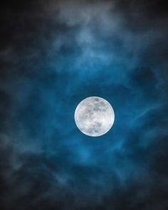 Moon Photos, Moon Pictures, Moon Shadow, Super Moon, Pretty Cool, Nice, Moonlight, Mists, Delicate