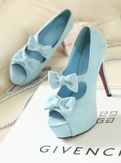 Cute Yet Stunning High Heels With Bows