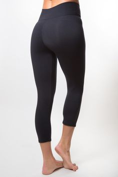 Classic Black (3/4 Length Legging)