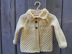 Ravelry: Danika Baby Jacket pattern by marianna mel Baby Sweater Patterns, Baby Knitting, Knitted Baby, Jacket Pattern, Baby Sweaters, Baby Wearing, New Baby Products, Boy Or Girl, Ravelry