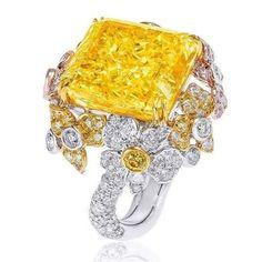 Anna Hu. Stunning 72 carats Fancy Intense Yellow Diamond Orchid Ring, emits a scintillating, pure yellow light like a morning sun.
