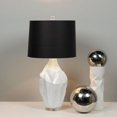 White Crinkle Vase Table Lamp